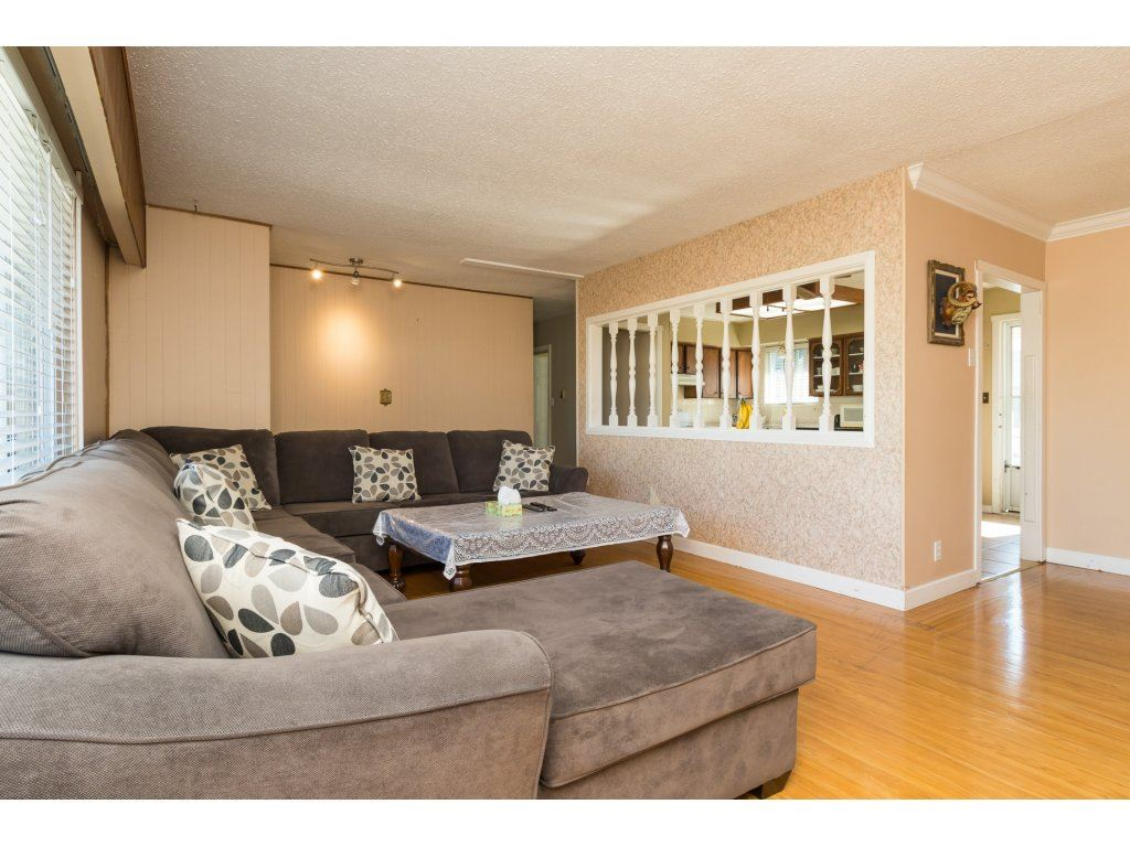 Detached at 9534 114 STREET, N. Delta, British Columbia. Image 4