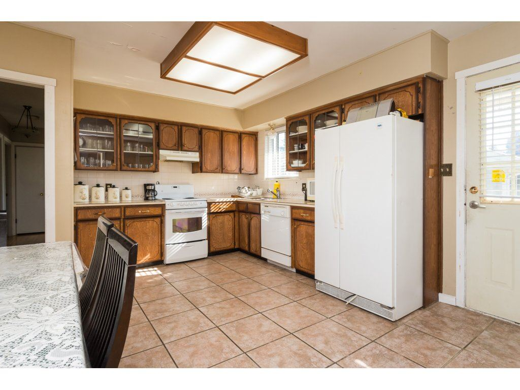 Detached at 9534 114 STREET, N. Delta, British Columbia. Image 5