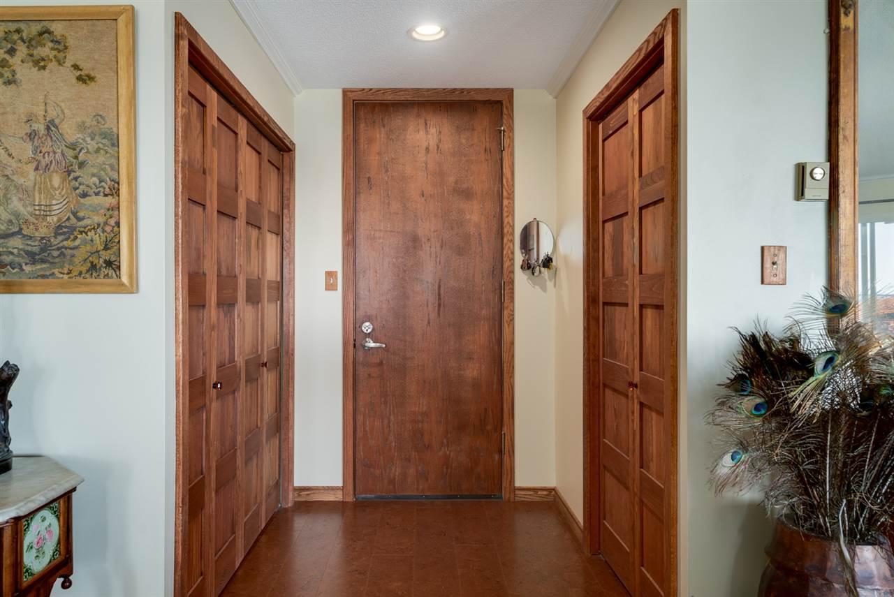 Condo Apartment at 104 15025 VICTORIA AVENUE, Unit 104, South Surrey White Rock, British Columbia. Image 3
