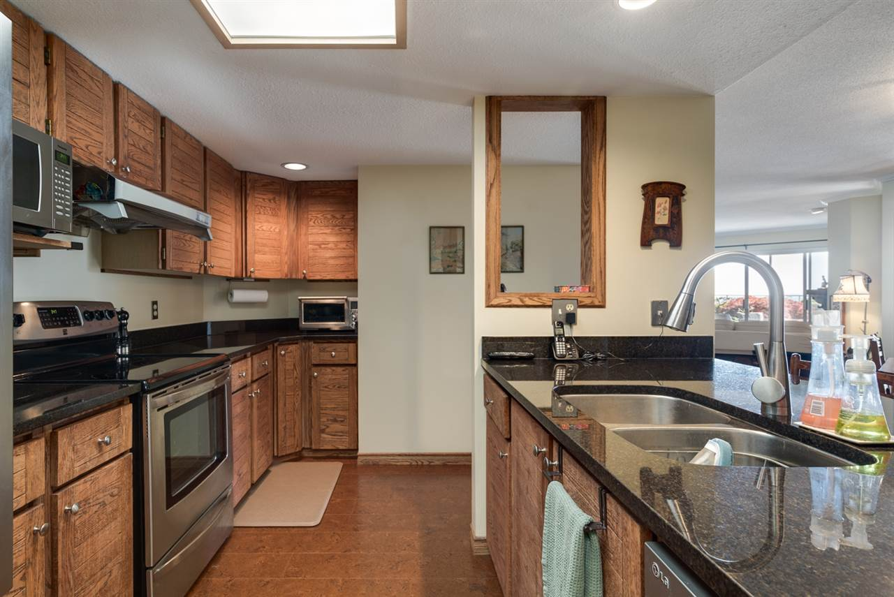 Condo Apartment at 104 15025 VICTORIA AVENUE, Unit 104, South Surrey White Rock, British Columbia. Image 9