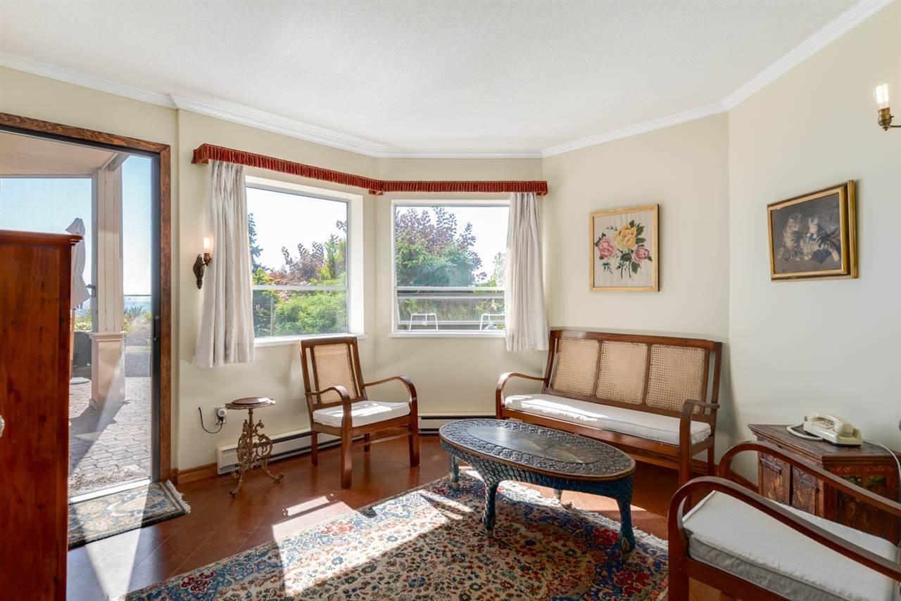 Condo Apartment at 104 15025 VICTORIA AVENUE, Unit 104, South Surrey White Rock, British Columbia. Image 16