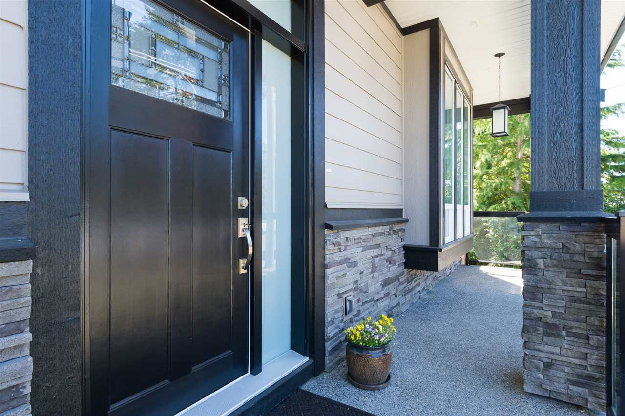 Detached at 17368 2 AVENUE, South Surrey White Rock, British Columbia. Image 2