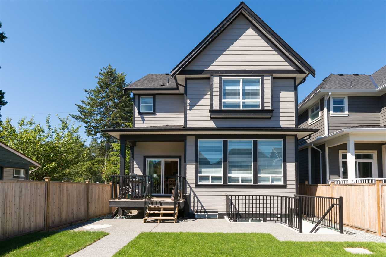 Detached at 17368 2 AVENUE, South Surrey White Rock, British Columbia. Image 3
