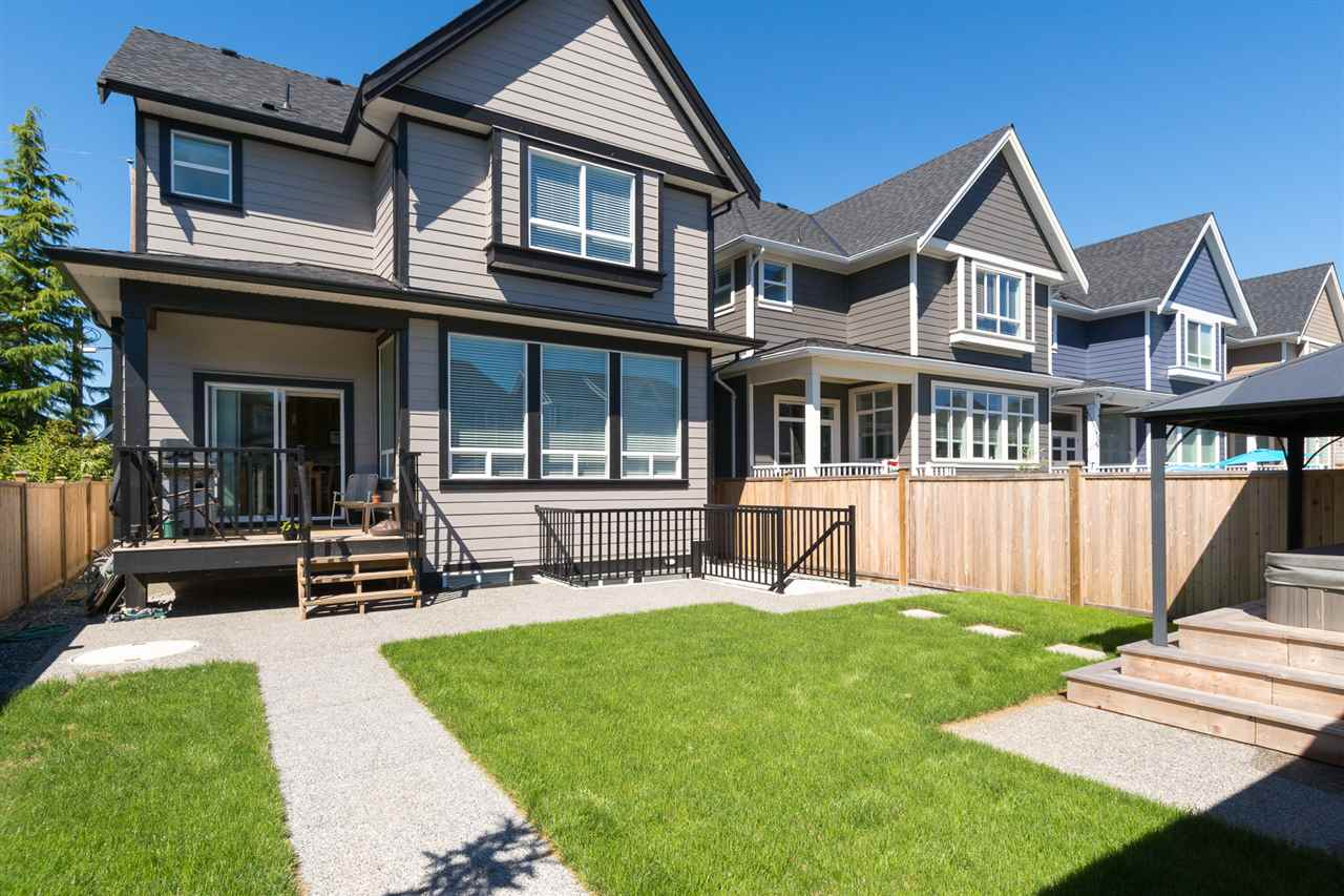 Detached at 17368 2 AVENUE, South Surrey White Rock, British Columbia. Image 4