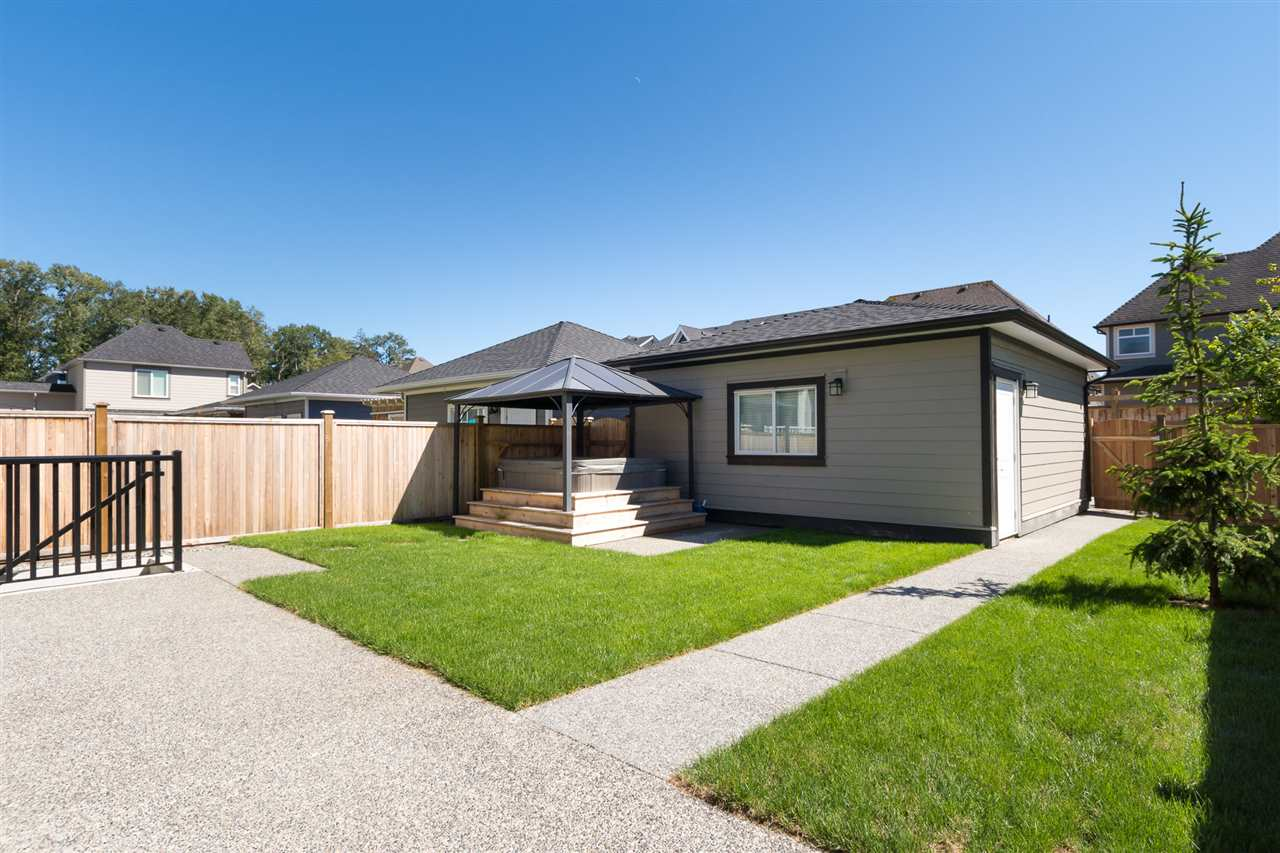 Detached at 17368 2 AVENUE, South Surrey White Rock, British Columbia. Image 6