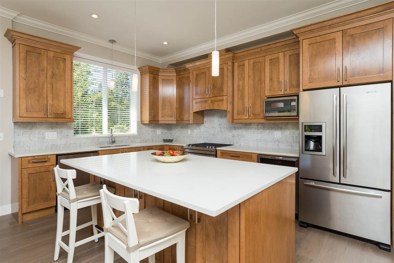 Detached at 17368 2 AVENUE, South Surrey White Rock, British Columbia. Image 7