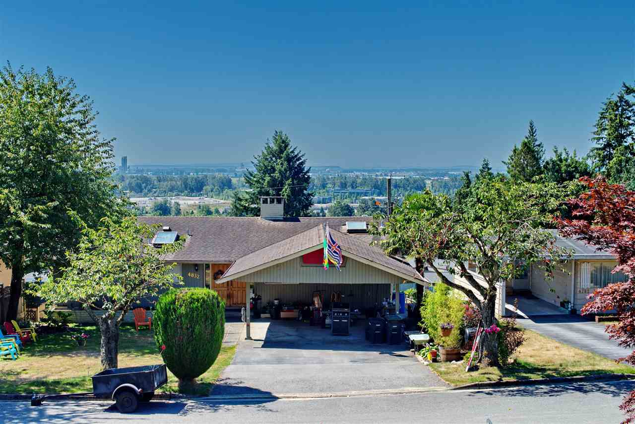 Detached at 4821 CARSON PLACE, Burnaby South, British Columbia. Image 4