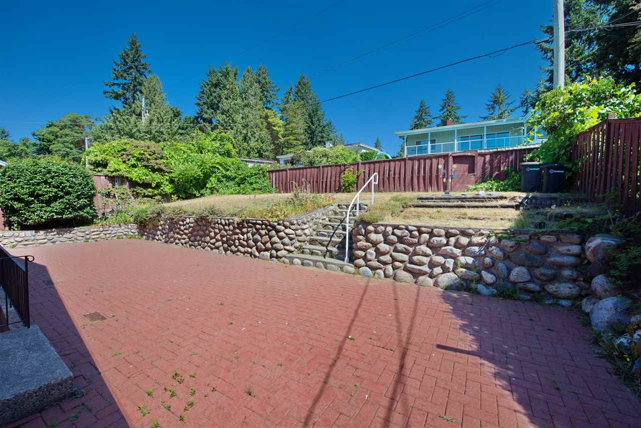 Detached at 4821 CARSON PLACE, Burnaby South, British Columbia. Image 6