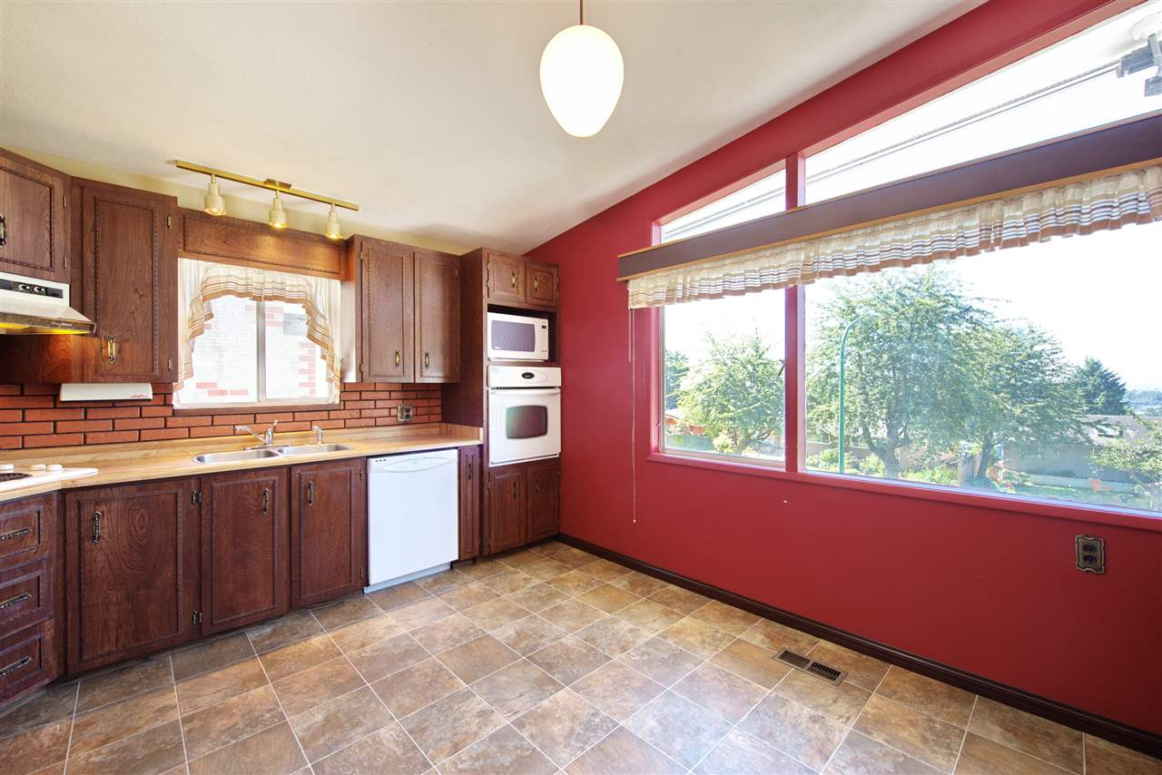 Detached at 4821 CARSON PLACE, Burnaby South, British Columbia. Image 12
