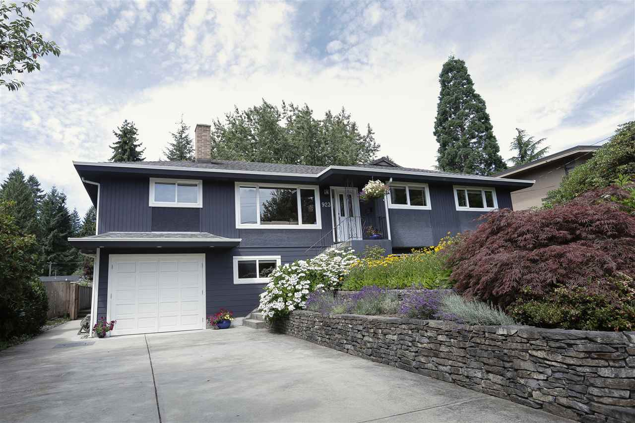 Detached at 923 PLYMOUTH DRIVE, North Vancouver, British Columbia. Image 1