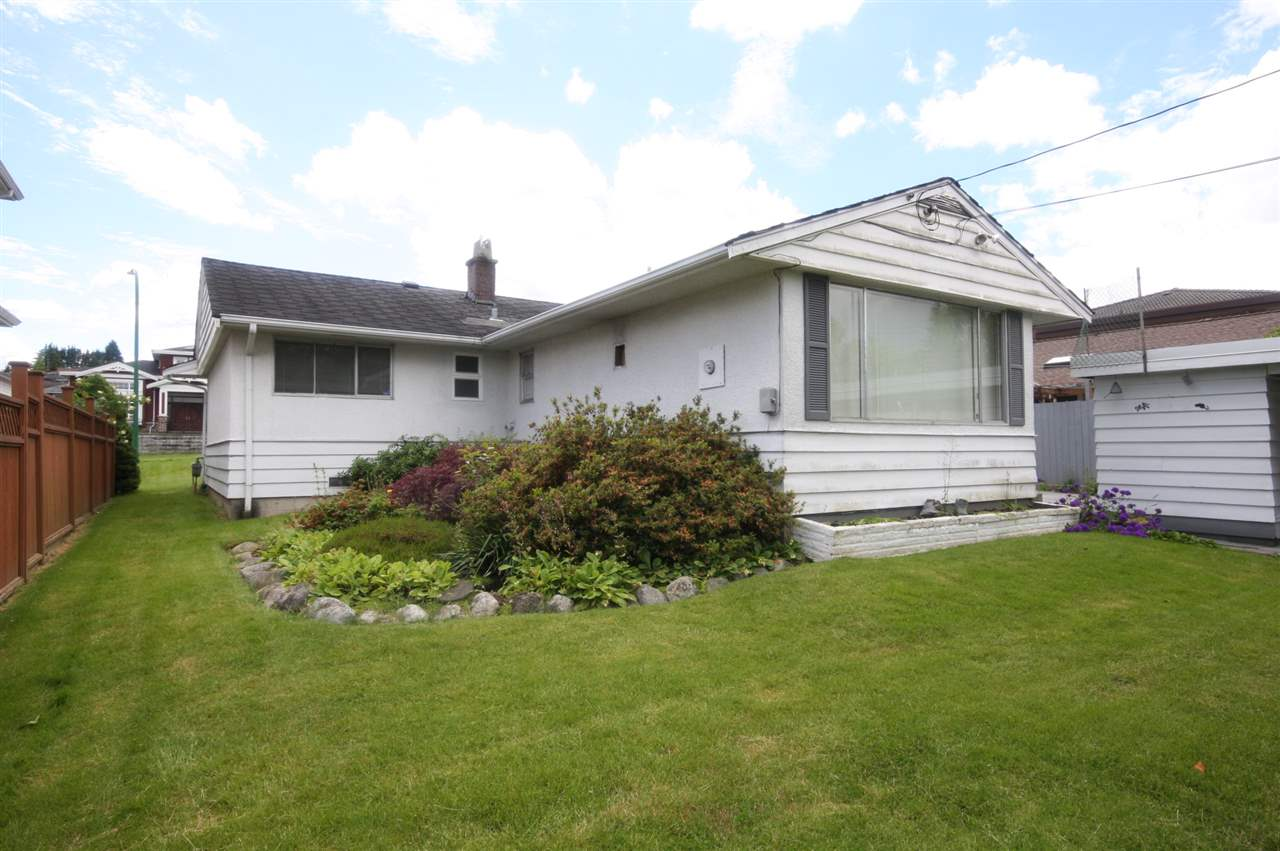 Detached at 4263 GILPIN CRESCENT, Burnaby South, British Columbia. Image 2