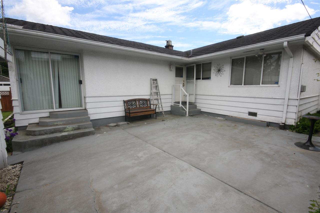 Detached at 4263 GILPIN CRESCENT, Burnaby South, British Columbia. Image 3