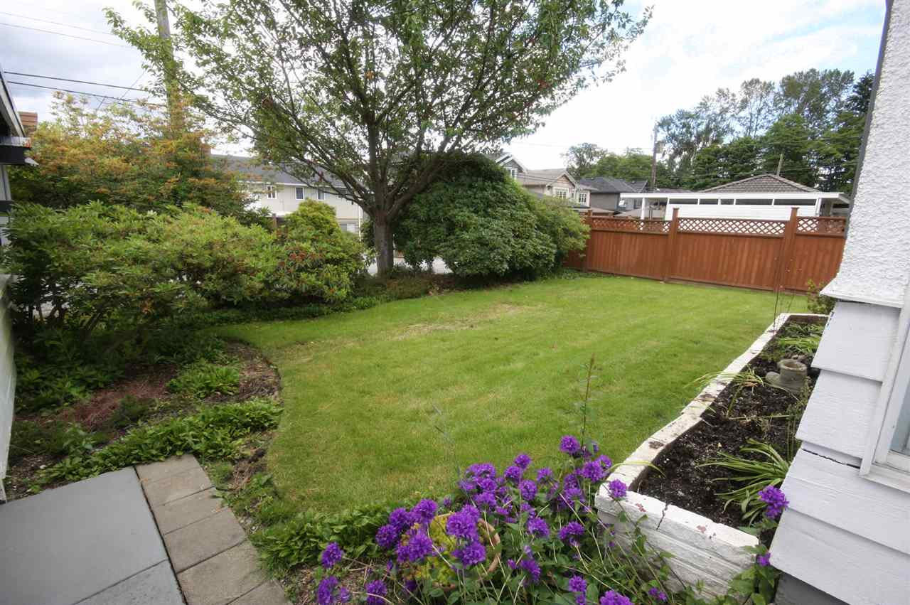 Detached at 4263 GILPIN CRESCENT, Burnaby South, British Columbia. Image 4