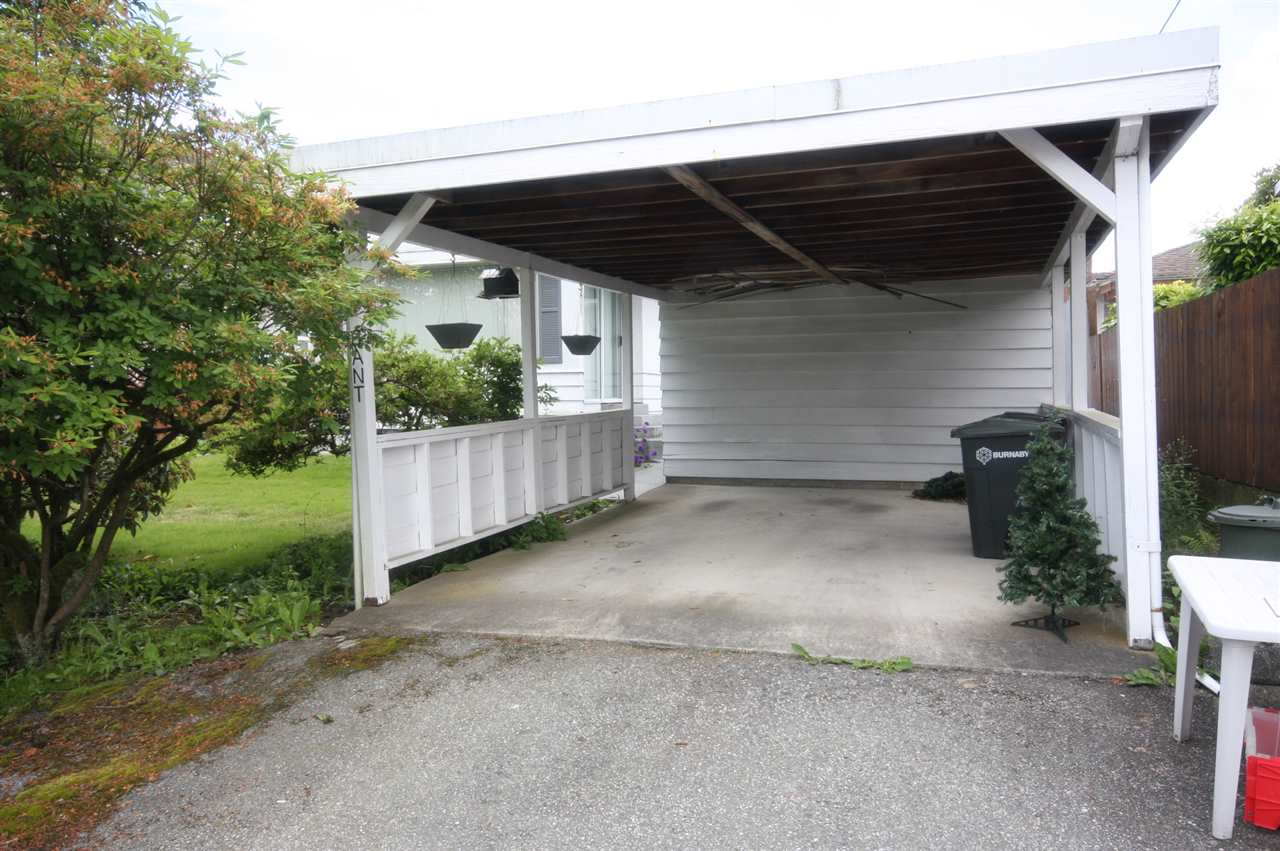 Detached at 4263 GILPIN CRESCENT, Burnaby South, British Columbia. Image 5