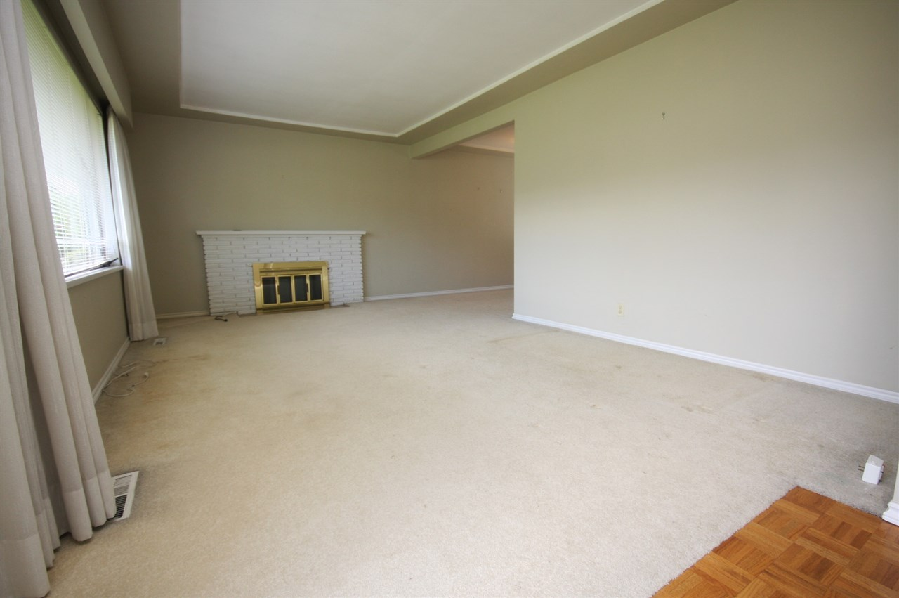 Detached at 4263 GILPIN CRESCENT, Burnaby South, British Columbia. Image 6
