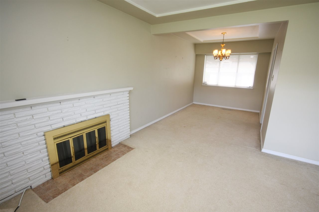 Detached at 4263 GILPIN CRESCENT, Burnaby South, British Columbia. Image 7