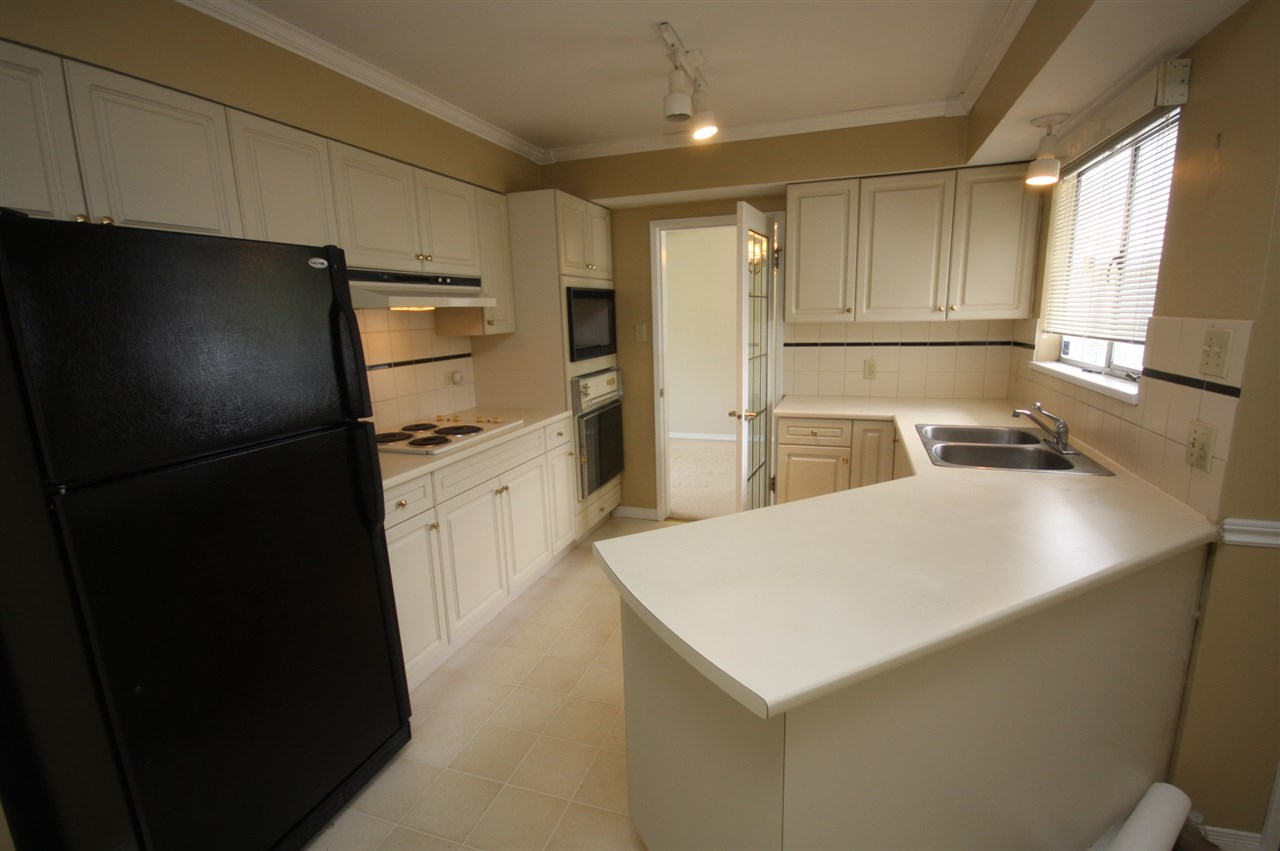 Detached at 4263 GILPIN CRESCENT, Burnaby South, British Columbia. Image 8