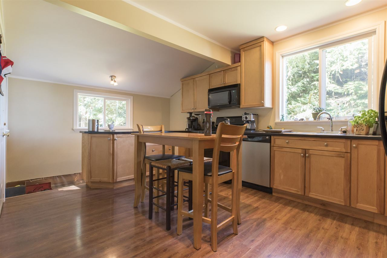 Detached at 23726 OLD YALE ROAD, Langley, British Columbia. Image 4