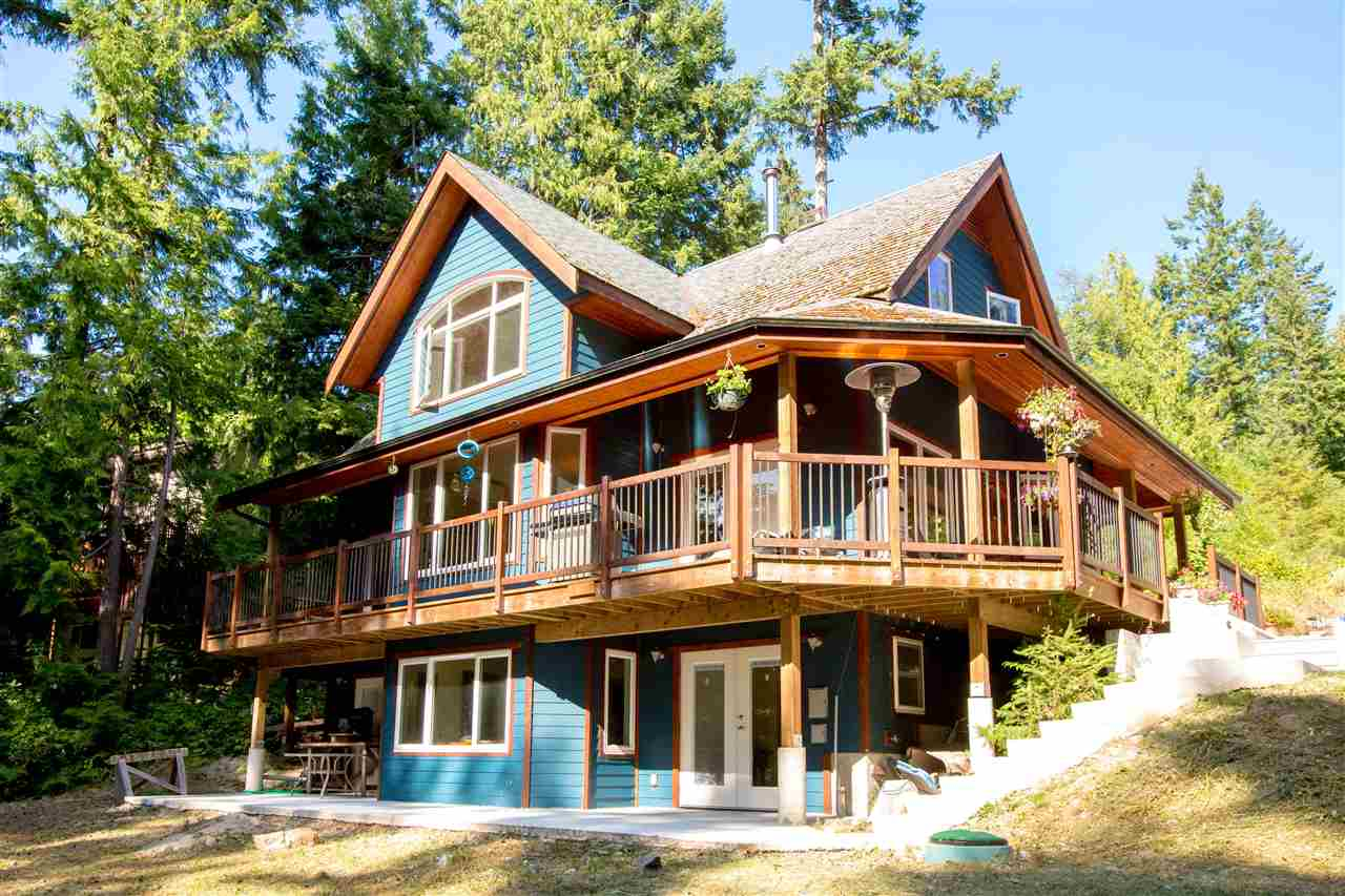 Detached at 5062 PARKVIEW PLACE, Sunshine Coast, British Columbia. Image 1