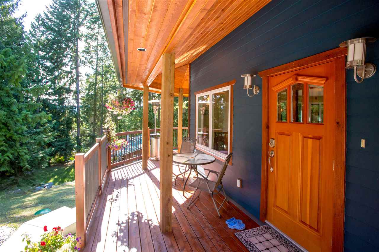 Detached at 5062 PARKVIEW PLACE, Sunshine Coast, British Columbia. Image 3