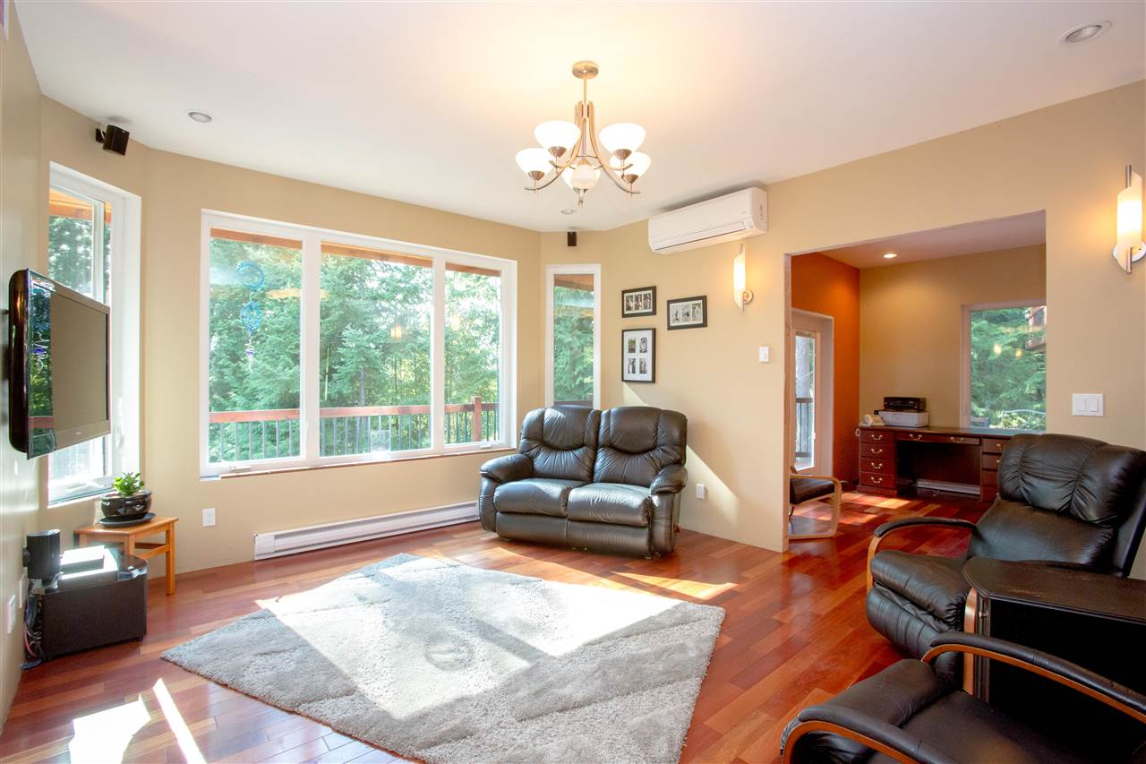 Detached at 5062 PARKVIEW PLACE, Sunshine Coast, British Columbia. Image 7