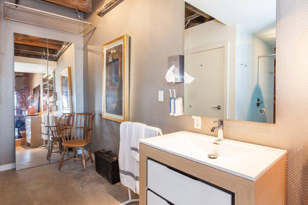 Condo Apartment at 402 55 E CORDOVA STREET, Unit 402, Vancouver East, British Columbia. Image 13