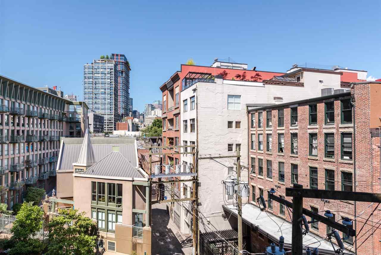 Condo Apartment at 402 55 E CORDOVA STREET, Unit 402, Vancouver East, British Columbia. Image 14