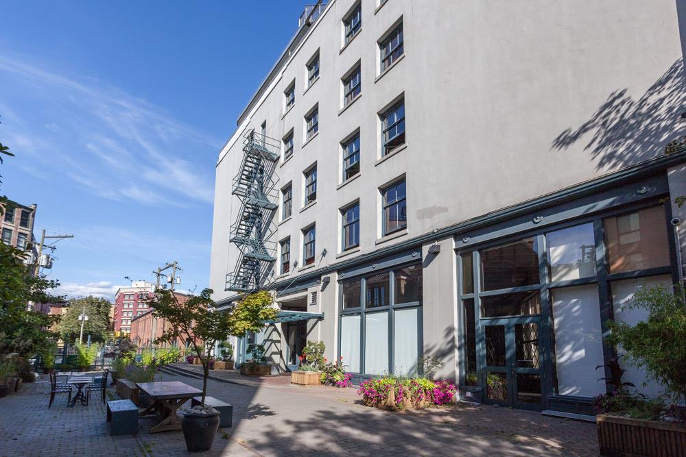 Condo Apartment at 402 55 E CORDOVA STREET, Unit 402, Vancouver East, British Columbia. Image 16