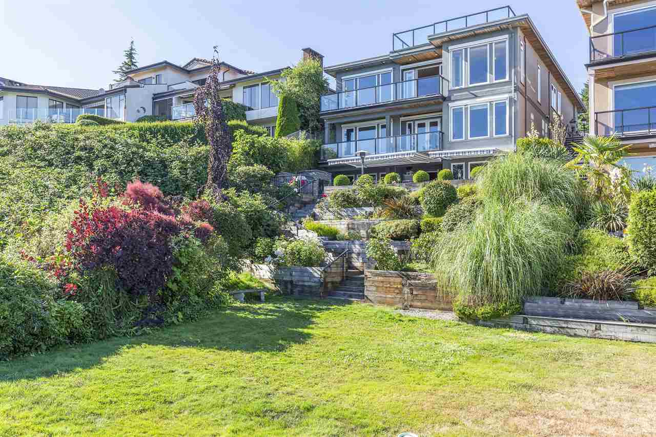 Detached at 13176 13 AVENUE, South Surrey White Rock, British Columbia. Image 3