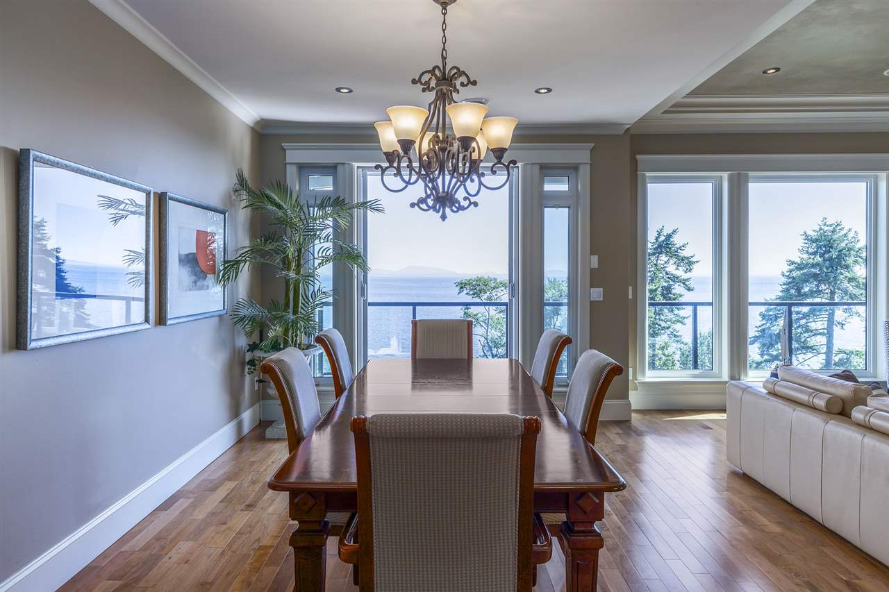 Detached at 13176 13 AVENUE, South Surrey White Rock, British Columbia. Image 6
