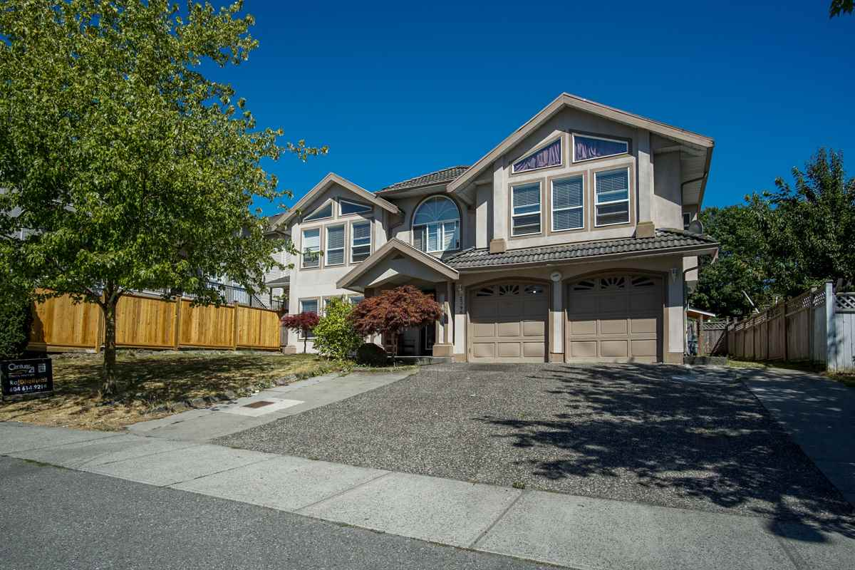 Detached at 3396 GOLDFINCH STREET, Abbotsford, British Columbia. Image 1
