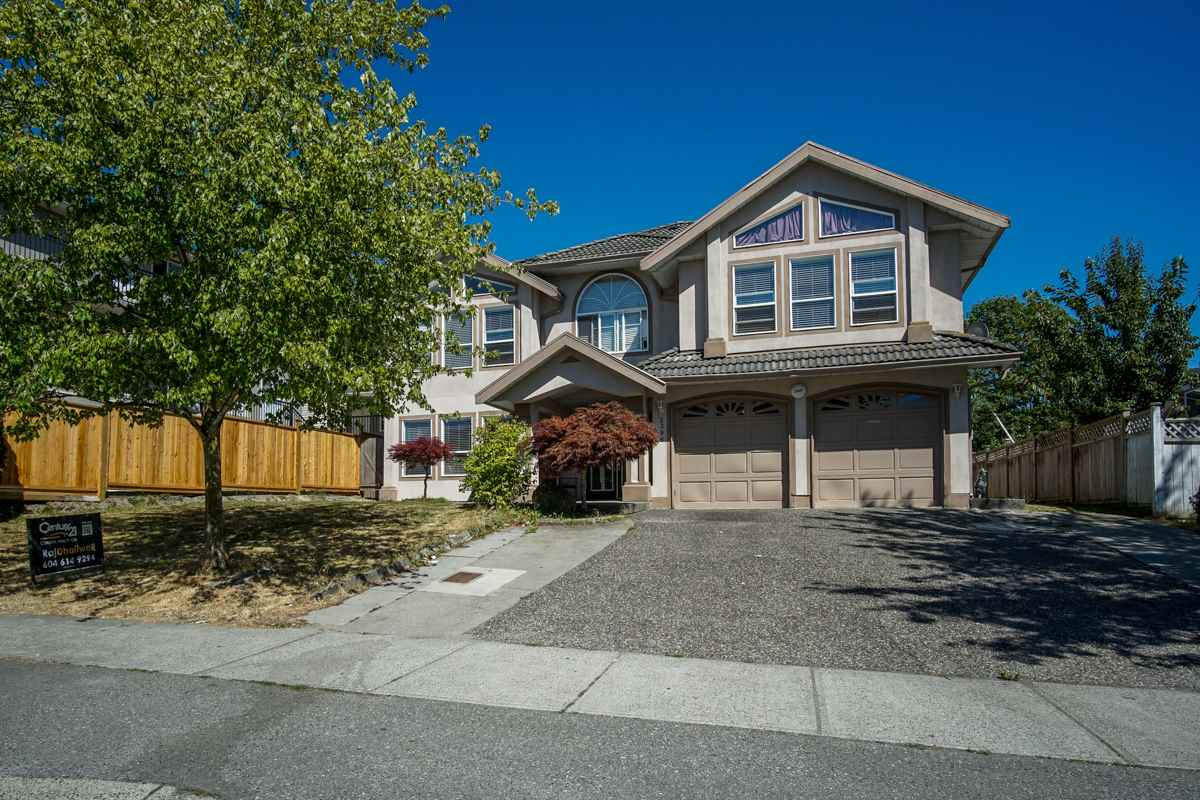 Detached at 3396 GOLDFINCH STREET, Abbotsford, British Columbia. Image 2