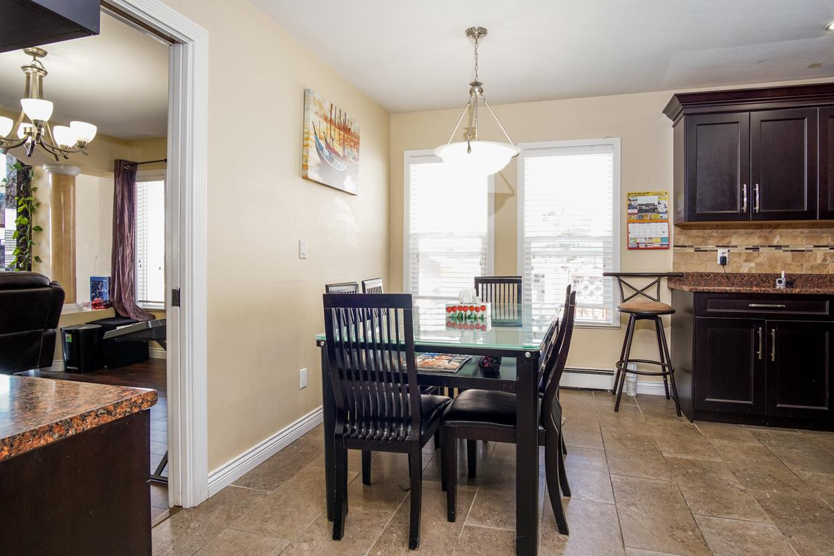 Detached at 3396 GOLDFINCH STREET, Abbotsford, British Columbia. Image 13