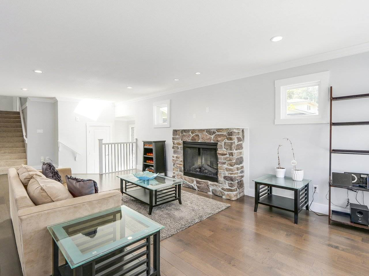 Detached at 19957 39A AVENUE, Langley, British Columbia. Image 3