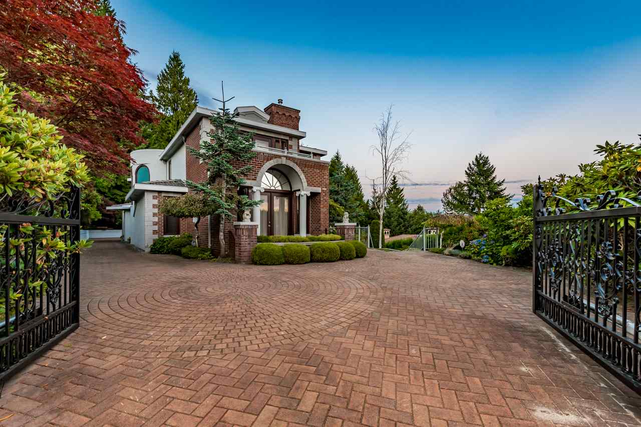 Detached at 1502 ERRIGAL PLACE, West Vancouver, British Columbia. Image 3