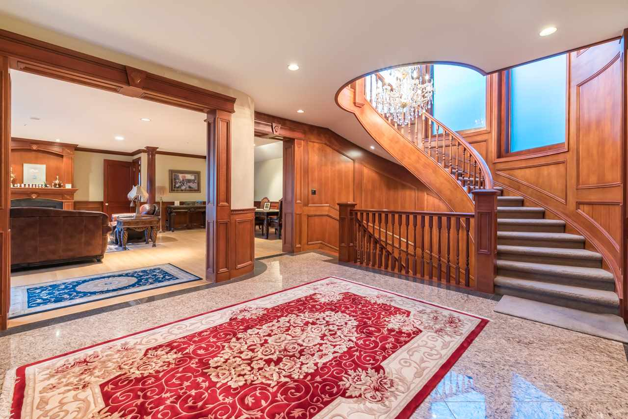 Detached at 1502 ERRIGAL PLACE, West Vancouver, British Columbia. Image 7