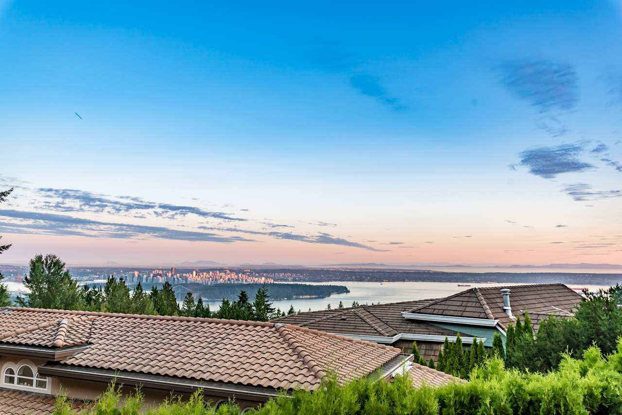 Detached at 1502 ERRIGAL PLACE, West Vancouver, British Columbia. Image 13