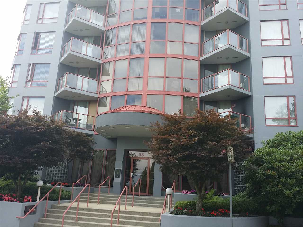 Condo Apartment at 502 38 LEOPOLD PLACE, Unit 502, New Westminster, British Columbia. Image 2