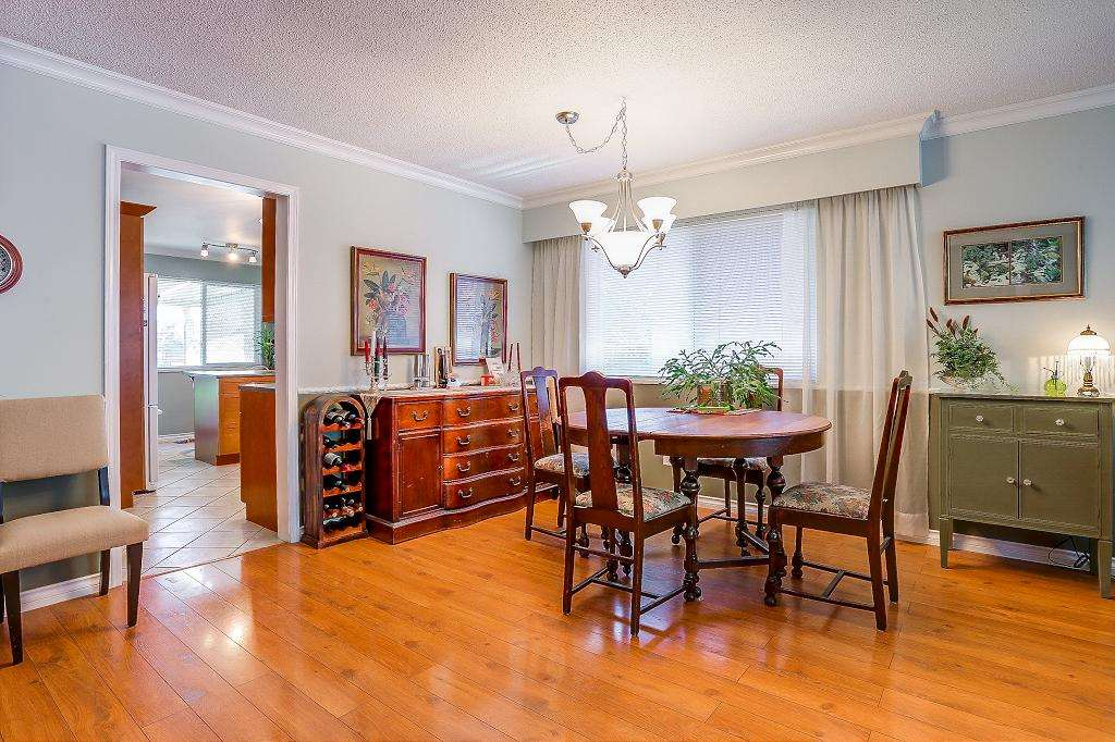 Detached at 8736 TULSY CRESCENT, Surrey, British Columbia. Image 3