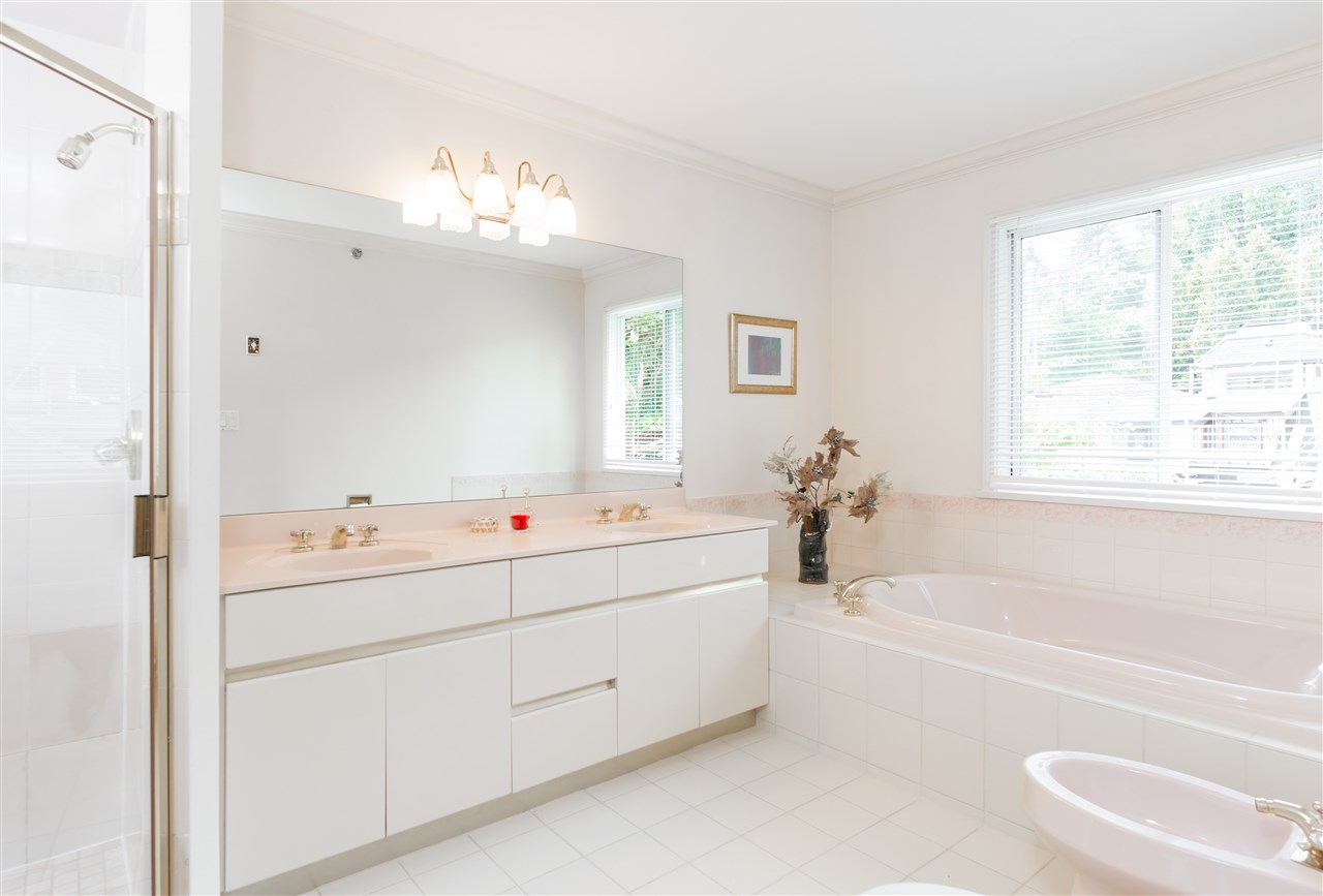 Detached at 6089 HOLLAND STREET, Vancouver West, British Columbia. Image 12