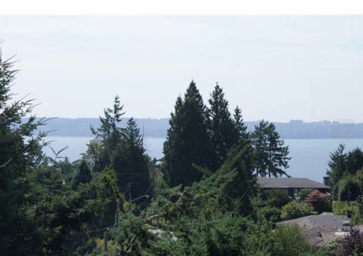 Detached at 4115 ALMONDEL ROAD, West Vancouver, British Columbia. Image 3