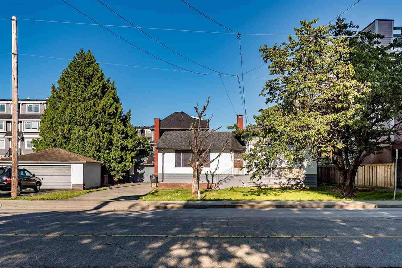 Detached at 6580 COONEY ROAD, Richmond, British Columbia. Image 1