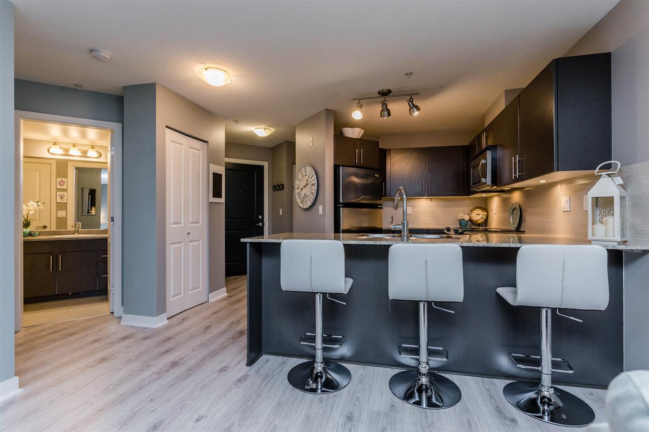 Condo Apartment at 102 8915 202 STREET, Unit 102, Langley, British Columbia. Image 2