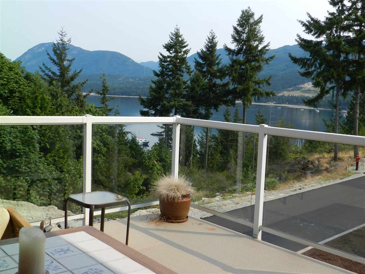 Condo Apartment at 3 5778 MARINE WAY, Unit 3, Sunshine Coast, British Columbia. Image 14