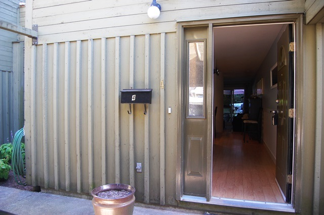 Townhouse at 4 20155 50 AVENUE, Unit 4, Langley, British Columbia. Image 2