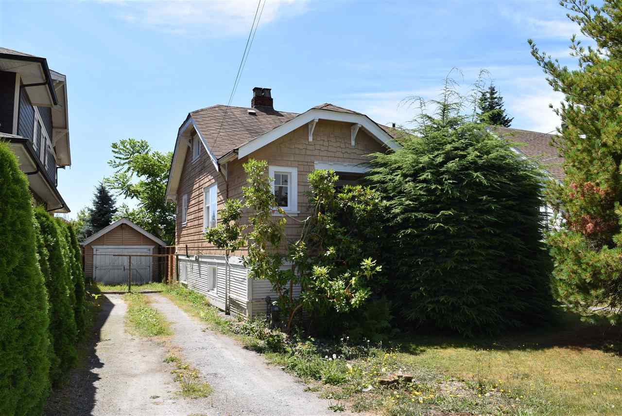 Detached at 349 E 13TH STREET, North Vancouver, British Columbia. Image 3