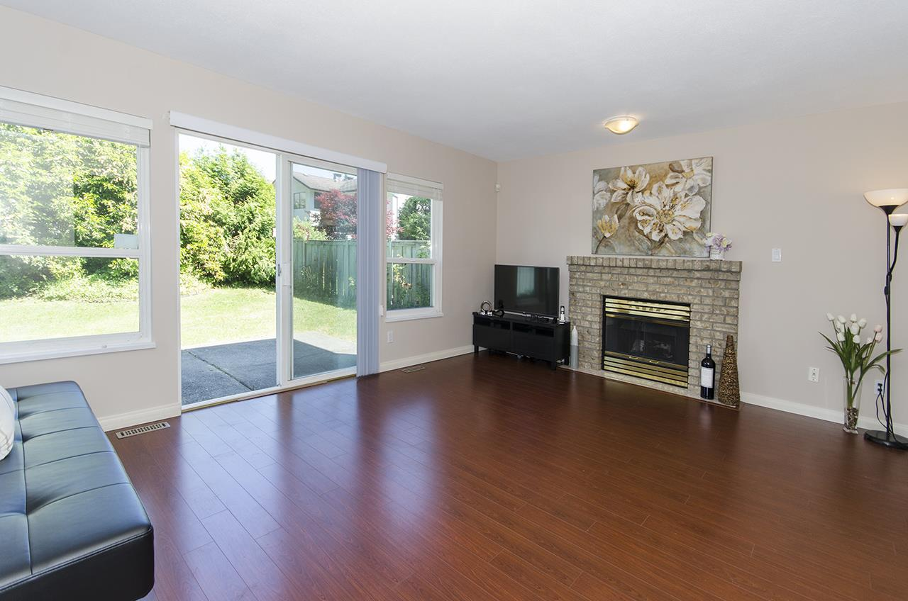 Detached at 807 FOWLER COURT, Coquitlam, British Columbia. Image 10