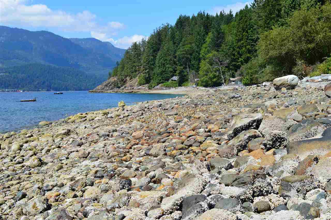 Detached at 2431 AUSTIN ROAD, Sunshine Coast, British Columbia. Image 6