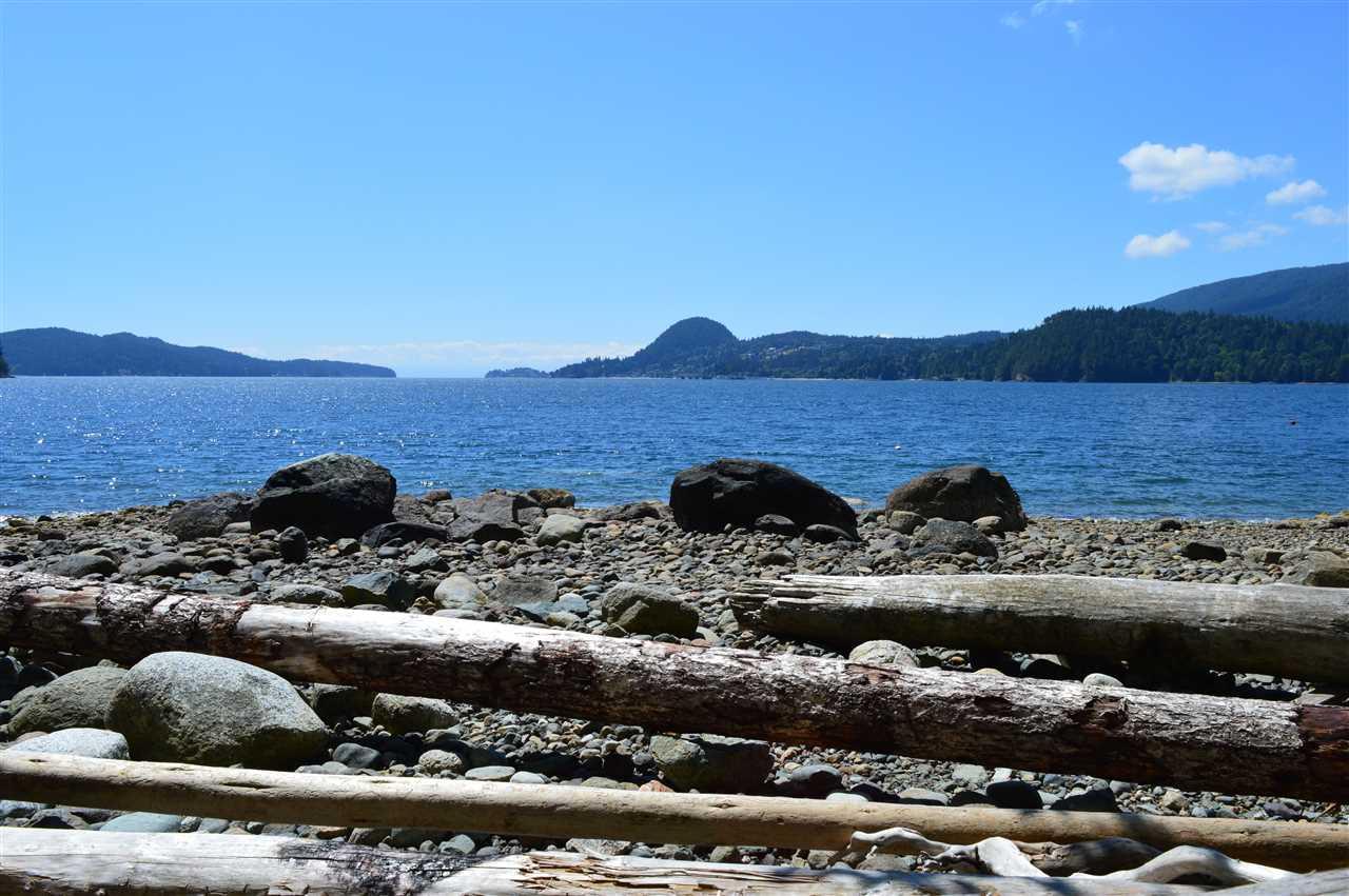 Detached at 2431 AUSTIN ROAD, Sunshine Coast, British Columbia. Image 7