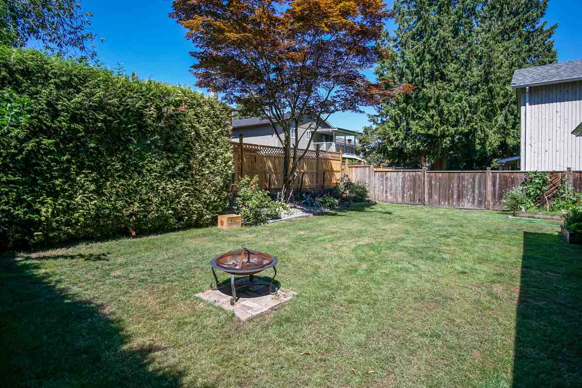 Detached at 6475 131A STREET, Surrey, British Columbia. Image 14